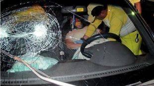 Parabrisas roto en un accidente de tráfico