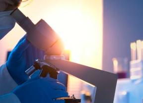Las vacunas de Pfizer y Moderna esperan decisión