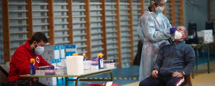Los test de antígenos llegan a otras cinco zonas de Madrid