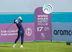 Georgia Hall anota 65 golpes para liderar el Aramco Saudi Ladies International