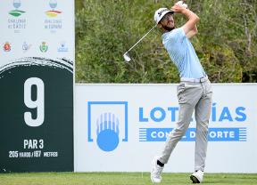 Lucas Vacarisas recupera el ritmo y manda en el Challenge de España con -8
