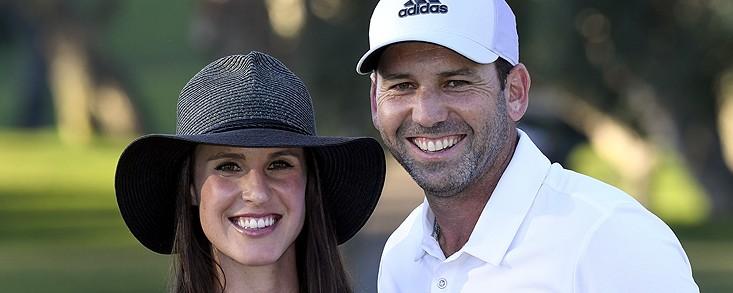 Sergio García y Angela Akins, padres de una preciosa niña