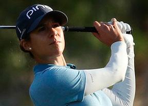 Azahara Muñoz mantiene el décimo puesto en Tailandia