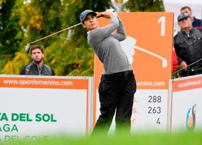 Van Dam (-9), Azahara Muñoz (-6) y Matthew (-5) se la juegan mañana en una maratón de golf con 25 hoyos por delante