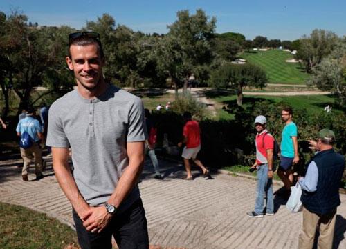 Gareth Bale disfrutó de su pasión, el golf, en La Herrería