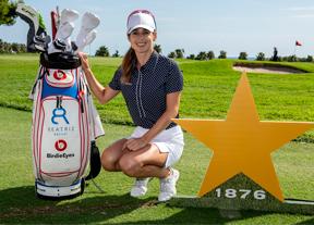 Beatriz Recari pide protagonismo tras la primera ronda en el Club de Golf Terramar