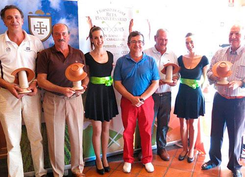 Ambiente de gala y solidaridad en Golf Layos