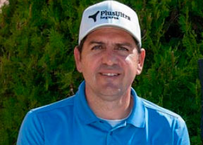 Vicente Blázquez se impone en el Club de Golf El Race con 68 golpes