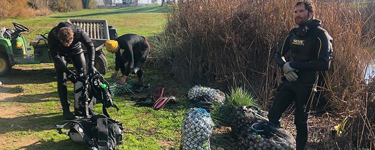 Palomarejos recupera 10.000 bolas de sus lagos