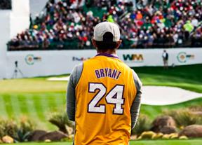 Homenaje a Kobe Bryant en el hoyo 16 del TPC Scotsdale