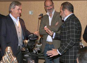 BFGoodrich le regala a Carlos Sainz un set completo de TaylorMade