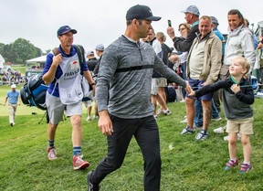 Paul Casey firma un gran 62 y busca su segunda victoria del año en el PGA Tour