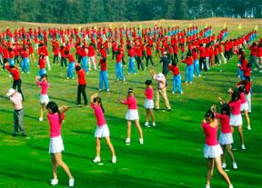 China cierra 111 campos de golf