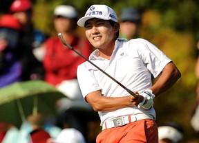 Una vuelta perfecta de 60 golpes coloca a Sung Khan (-11) colider del torneo