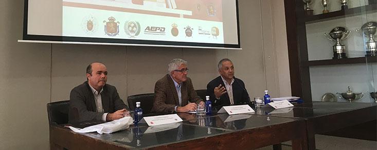 Gonzaga Escauriaza inaugura un Curso sobre Periodismo de Golf