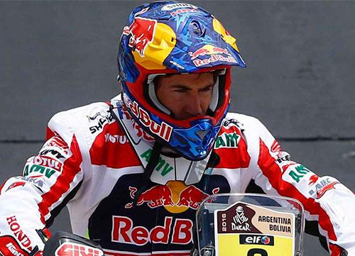 Inicio accidentado y el español Joan Barreda primero en motos