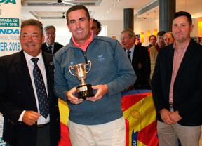 Gran victoria de Víctor Casado en Alenda Golf