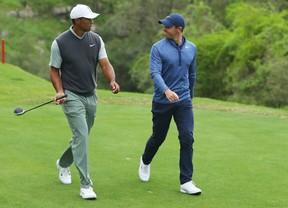 Woods deja fuera del torneo a Rory McIlroy por 2&1