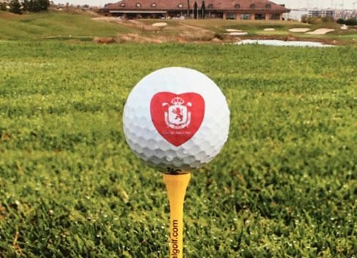 El 14 de febrero, amor y golf