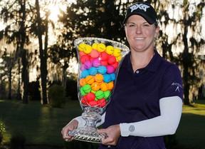 Tercera victoria para Austin Ernst en la LPGA con cinco golpes de ventaja