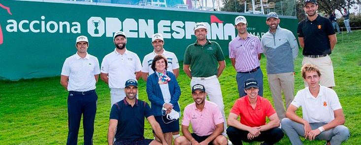 La tradicional foto con los jugadores españoles (+ Mariaca)