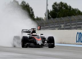 Ferrari, Red Bull y McLaren prueban los neumáticos de lluvia