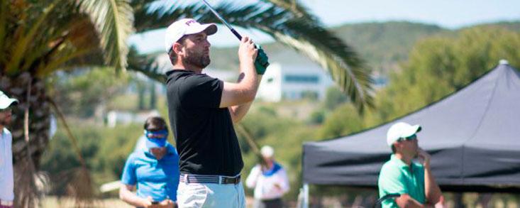 Daniel Berna domina el torneo con un gran nueve bajo par