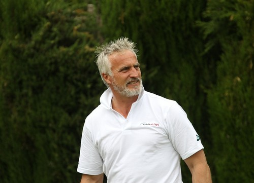 David Ginola, estable, tras un infarto
