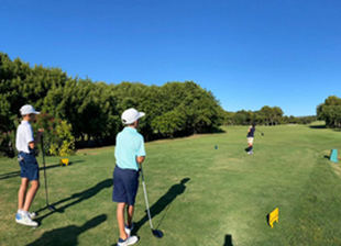 Un verano más disfruta del programa Golf Joven de la RFAG
