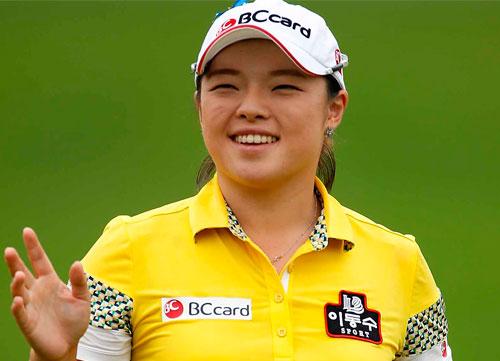 Han Jang sigue líder en una ronda incompleta