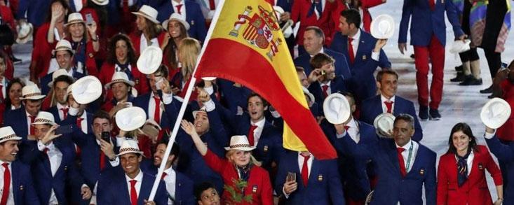 García y Cabrera-Bello desfilaron en la ceremonia de inauguración