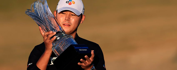 Si Woo Kim firma 64 golpes para ganar el American Express