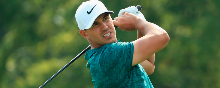 Brooks Koepka ya acecha a Dustin Johnson