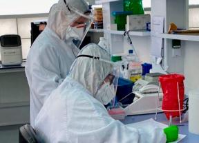 Los laboratorios privados esperan a las Administraciones