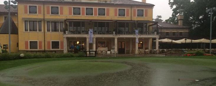 El torneo se reduce a 54 hoyos por la lluvia tras la suspensión de la primera jornada