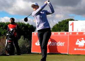 Luna Sobrón comienza líder en Golf Santander con -3 y dos golpes de renta