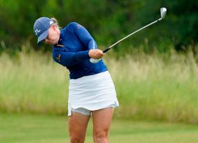 Matilda Castren lidera a pesar de que la tormenta no dejó completar el torneo
