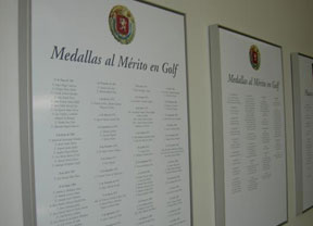 Concesión de Medallas de Oro y Placas de Mérito al golf por parte de la R.F.E.G.