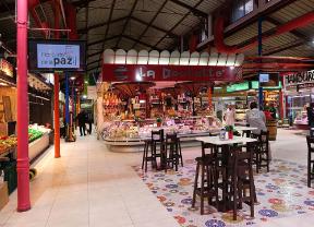 El Mercado de La Paz mantiene el comercio tradicional y da la mano al s.XXI
