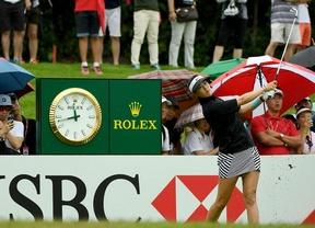 Michelle Wie lidera en Singapur con tres perseguidoras de lujo