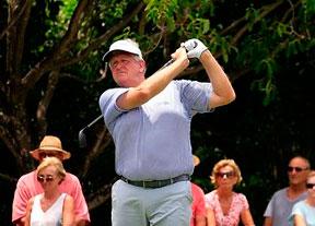 Colin Montgomerie ya manda en Isla Mauricio