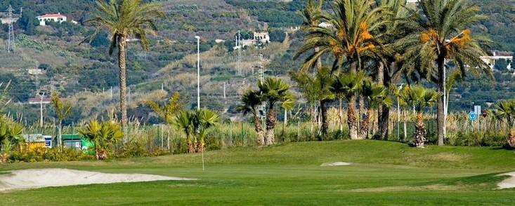 Hacienda cierra 8 de los 18 hoyos de Los Moriscos Club de Golf, en Motril