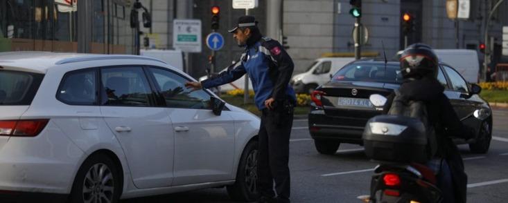 En Madrid hay que ir a trabajar con justificante