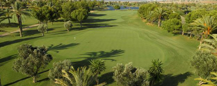 El golf aporta anualmente 225 millones de euros a la región murciana