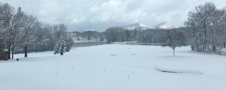 Manto blanco en Izki Golf