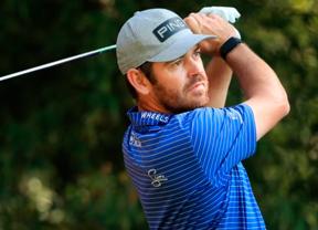 Louis Oosthuizen juega en casa y empieza liderando el torneo con -9