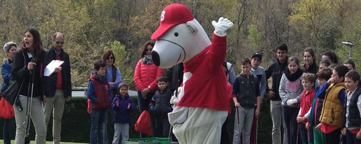 El Oso Bogey ilumina el golf en Izki