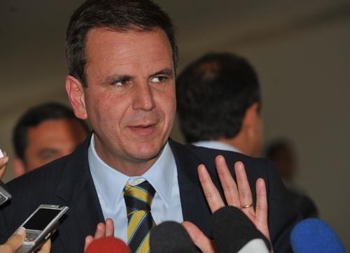 Bloquedas las cuentas del alcalde de Río, Eduardo Paes