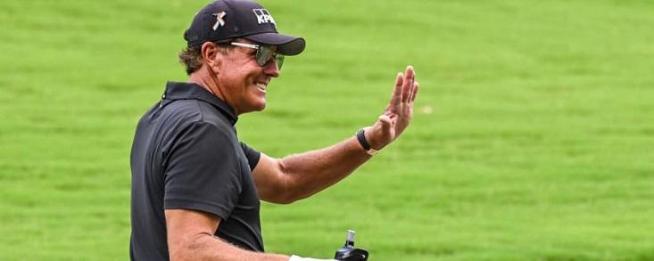 Phil Mickelson debuta en el Champions Tour con Jiménez en juego