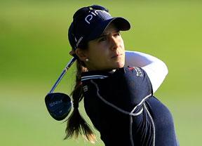 Azahara Muñoz se mete en el Top-ten con tres bajo par